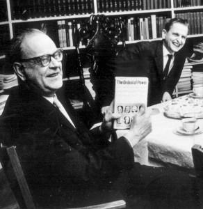Politik är att vilja, sa Olof Palme, här med sin dåvarande chef, statsminister Tage Erlander 1963. I dag behövs mer vilja i politiken, tycker Kurt Nurmi. Foto: Gunnar Lantz/TT