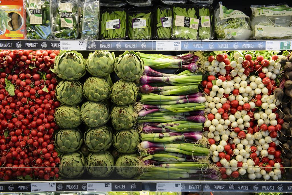 15-30 procent grönsaker och frukt ratas i produktionsledet på grund av avvikande utseende.  Foto: Henrik Montgomery/TT