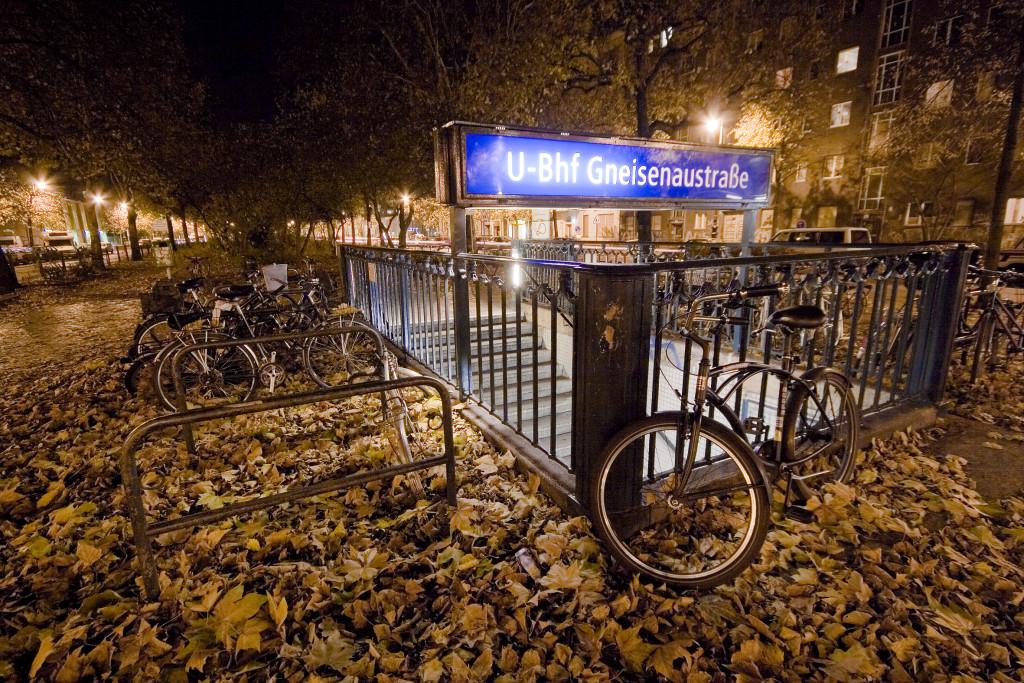 Det är lätt att ta sig runt med både cykel och kollektivtrafik i Berlin. Foto: Till Krechr/Flickr CC 2.0