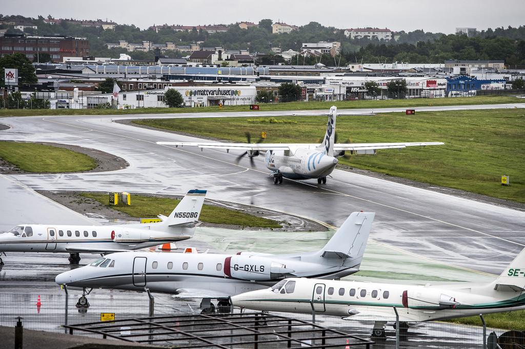 Stockholmspolitikerna vill lägga ner Bromma flygplats och istället bygga uppemot 50 000 bostäder. Det ser nu inte ut att bli av. Foto: Lars Pehrson/SvD/TT