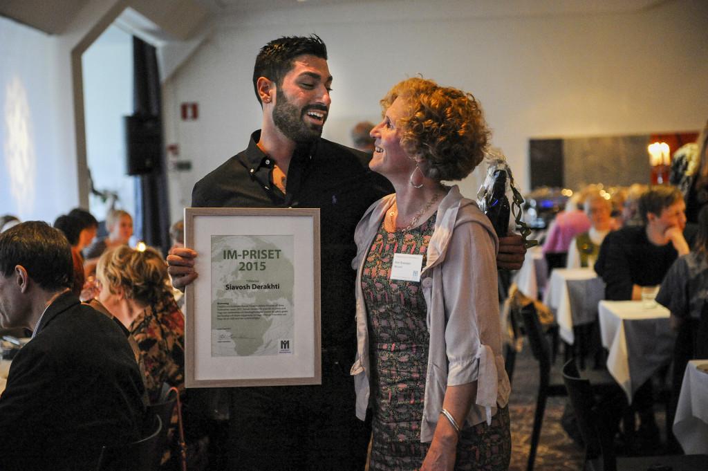 Grundaren av UMAF, Unga mot antisemitism och främlingsfientlighet, Siavosh Derakhti, fick 2015 års IM-pris till minne av grundaren Britta Holmström. Foto: Linus Edlund/IM Bildarkiv