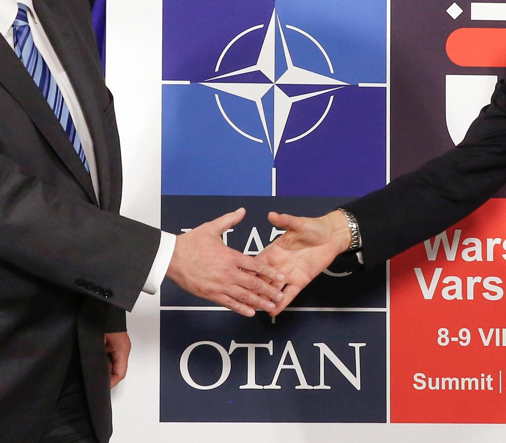 """Enligt utredningen har Sverige anammat """"de små stegens politik"""" i fråga om Nato. Foto: Jonathan Ernst/Pool/AP/TT"""