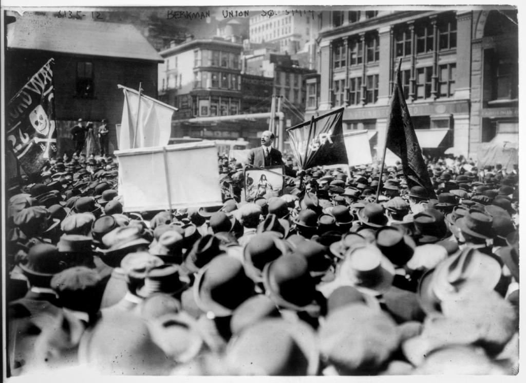 Alexander Berkman håller tal första maj 1914.