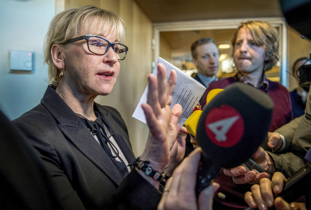 Vad är värst? Att Margot Wallström talar sanning om Saudiarabien eller att hon säljer vapen till landet? Foto: Marcus Ericsson/TT.