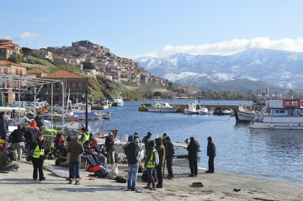 Det lokala samhället är nästan helt beroende av turism. Nu förväntas turismen gå ner markant på grund av flyktingarna.