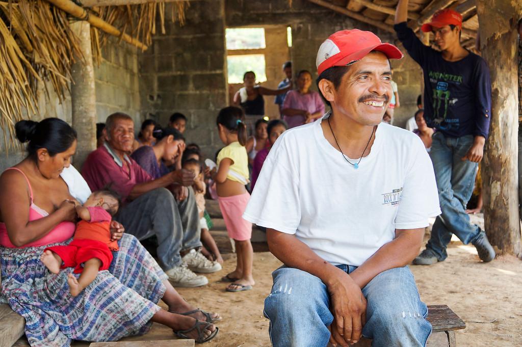 """""""Vi vill odla vår egen majs och de ska inte kunna stoppa oss"""" säger Santiago Tux, småbrukare i byn Río Frío."""