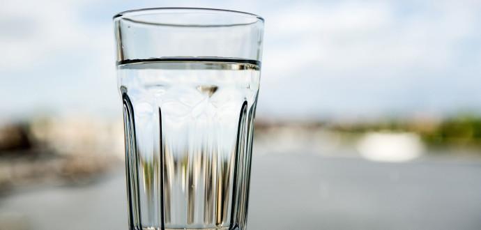 Flygtrafik och skjutande smutsar ner dricksvattnet, skriver Mats Johannesson. Foto: Christine Olsson/TT
