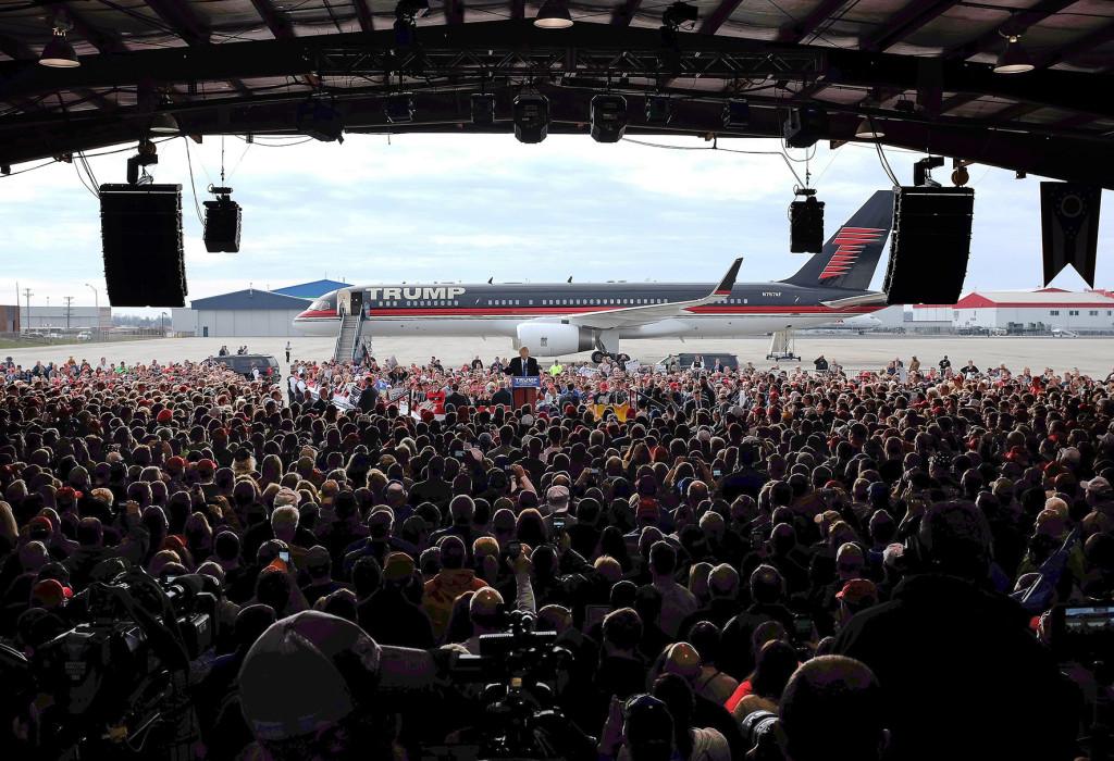 Ägaren till det här flygplanet är inte nödvändigtvis värst bland kandidaterna i det amerikanska presidentvalet. Men frågan är om vi ska ta skydd bakom honom mot hans ideologiska tvilling Vladimir Putin. Foto: Kiishiri Sato/AP/TT