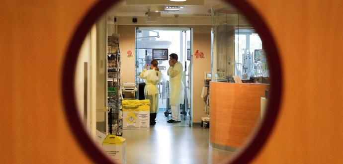 Om vården varken kan bota eller lindra och om patienten verkligen vill dö ska möjligheten finnas, skriver Gustaf von Heijne. Foto: Foto: Yves Logghe/AP/TT.