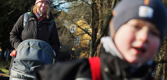 Ofta är det kvinnor som tar hand om hem och barn mest, men med basinkomst får kvinnor en chans att ta sig ur förhållanden som baseras på ekonomiskt beroende, skriver Andreas Meijer. Foto: Foto: Johan Nilsson/TT.