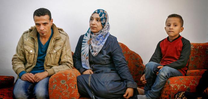 Familjen Yusef i Beit Hanoun i nordöstra Gaza. Familjen lyckades fly från kriget i Syrien men befinner sig i en svår situation i Gaza. Foto: Silvia Boarin/IPS.